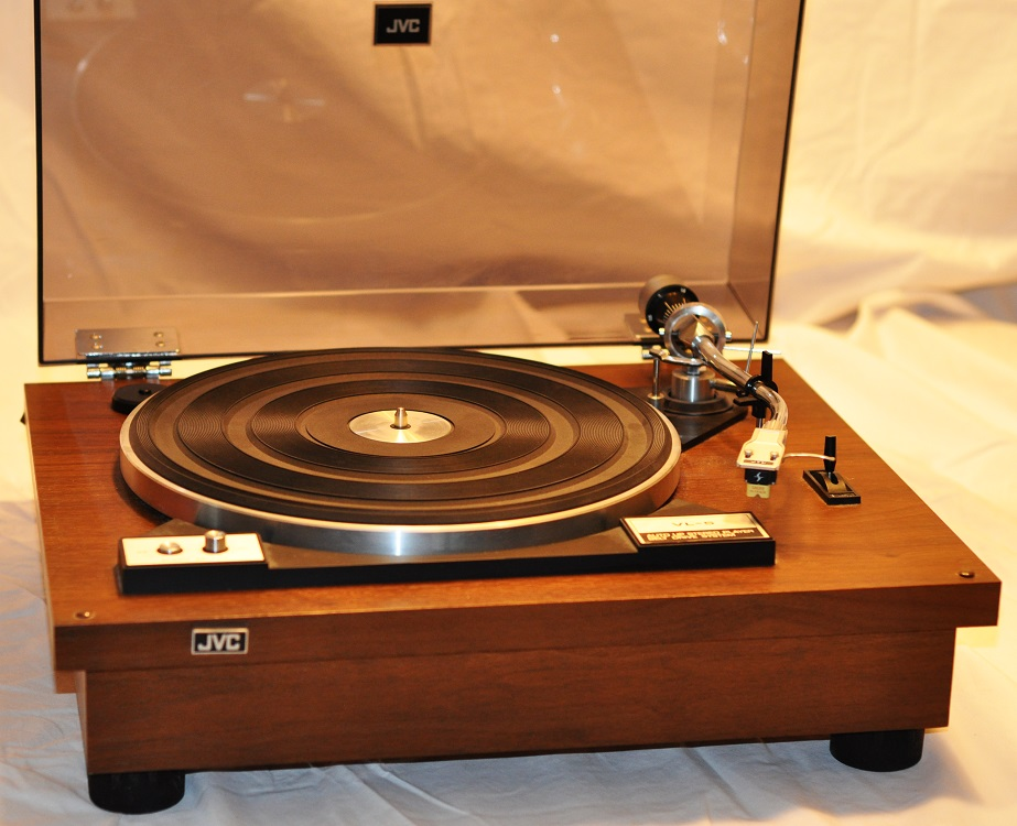 An ultimate guide to buy the best vintage turntable